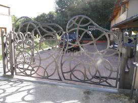 Kalviski darbai. tvoros, vartai, tureklai.