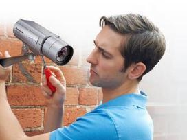 Montuojame apsaugos kameras ir signalizaciją.