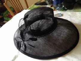 Proginės skrybėlės