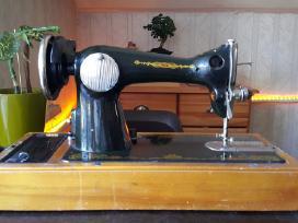 Tarybine siuvimo masina (pirmoji automatine)