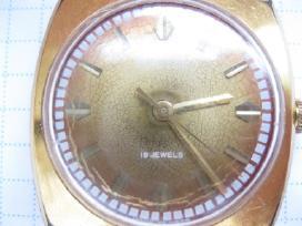 Cccp paauksuotas laikrodis....zr. foto....eina.