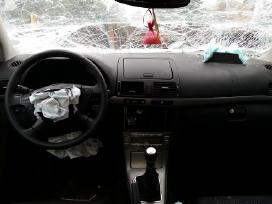 Toyota Avensis. 2008 m Tik pradeta ardyti