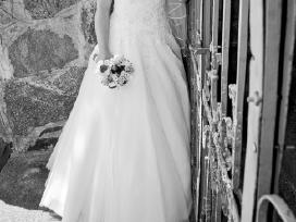 Ivory spalvos vestuvinė suknelė