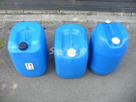Plastikiniai bakeliai kuro kanistrai parduodami