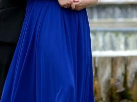Parduodama ilga proginė suknelė