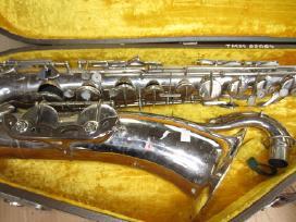 Akordionas,saksofonas,patefonas,radijas