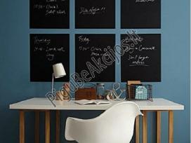 Priklijuojama piešimo lenta su kreidelėmis