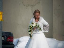 Parduodu iskirtinio grozio vestuvine suknele. - nuotraukos Nr. 2