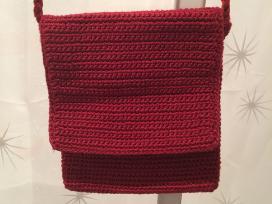 Megzta raudona tašytė - nuotraukos Nr. 2