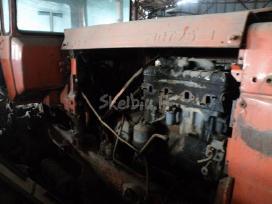 Traktorius DT-75 dalimis. - nuotraukos Nr. 2