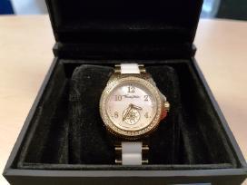 Superkame naujus, naudotus moteriškus laikrodžius