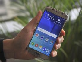 Samsung Galaxy S6 Gold.