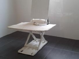 Naudota mechaninė maudymosi kėdė