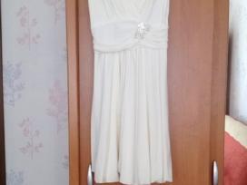 Trumpa balta puosni suknele