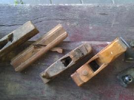 Senoviniai staliaus įrankiai obliai.