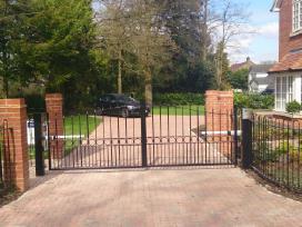 Kiemo vartų automatika, montavimas, remontas.