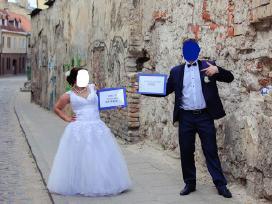 Puiki vestuvinė suknelė