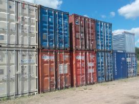 Jūriniai ir buitiniai konteineriai.