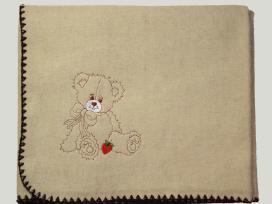 Pledas kūdikiui su siuvinėtu norimu vardu