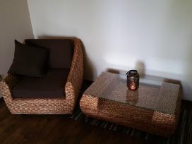Pinti baldai (fotelis ir staliukas)