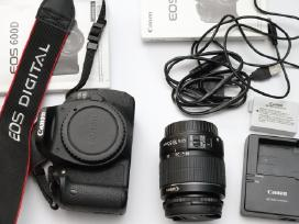 Mažai naudotas Canon 600d su objektyvu
