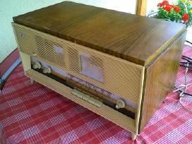 Antikvarinė radiola Čaika - M 1955 metų