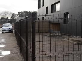 Segmentinės tvoros. Tvorų montavimas.