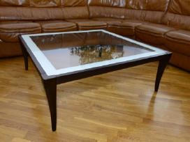 Kokybiškas svetainės stalas medis-stiklas Skubiai