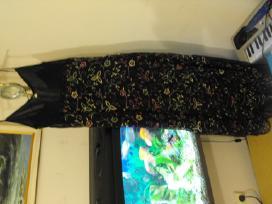 Labai grazi suknele. su petneselemis,