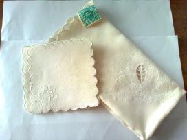 Naujas balto lino servetėlių kmplektas