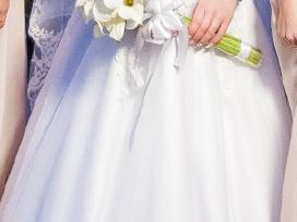 Balta vestuvinė suklelė