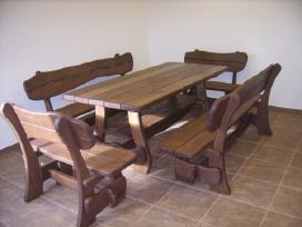 Ąžuoliniai, uosiniai baldai