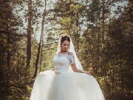 Nuostabi vestuvine suknele + vėliumas+papuosalai