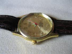 Laikrodis Su Apyranke . Pakeistas Elementas . Eina