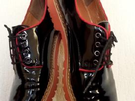 Juodi lakuoti odiniai batai 38 dydis