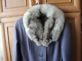 Zieminis siltas paltas su lape