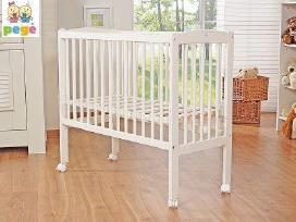 Lovelė pristatoma prie tėvų lovos