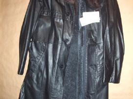 Naturalios odos ir kailio vyriškas paltas