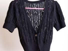 Trumpas juodas užsagstomas megztinis