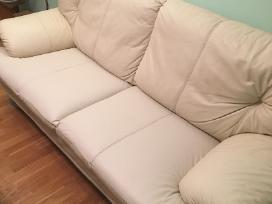 Odinė sofa po restauravimo