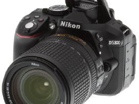 Nupirkčiau Nikon veidrodinį fotoaparatą