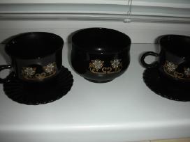 Juodo stiklo puodeliai +cukrine