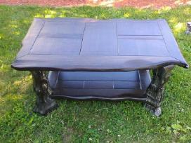 Parduodamas juodo ąžuolo masyvo stalas
