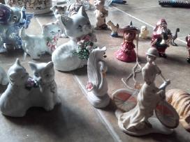 Daug porceliano statulėlių - nuotraukos Nr. 10