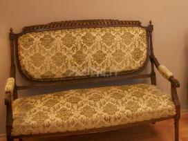 Sofa antikvarinė