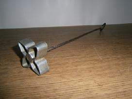 Žagarėlių formelė keptuvė