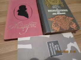 Rusų kalba - 3 knygos apie Mocartą
