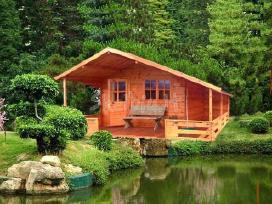 Mediniai sodo nameliai