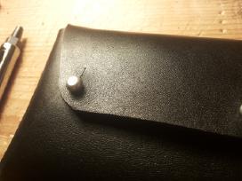 Odinė rankų darbo piniginė - nuotraukos Nr. 3