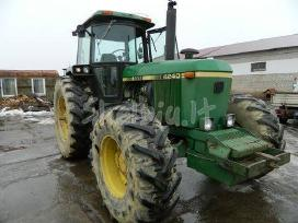 Traktoriaus john deere 4240s atsarginės dalys